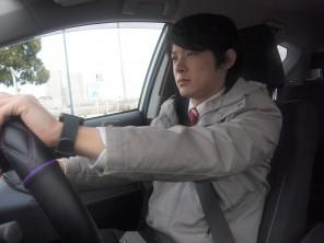 スマートウォッチで乗車中もメッセージのやり取りを可能に